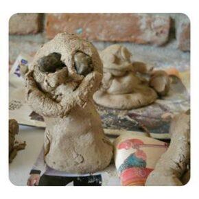 Taller de Plástica: Arte con Barro y Plastilina Casera