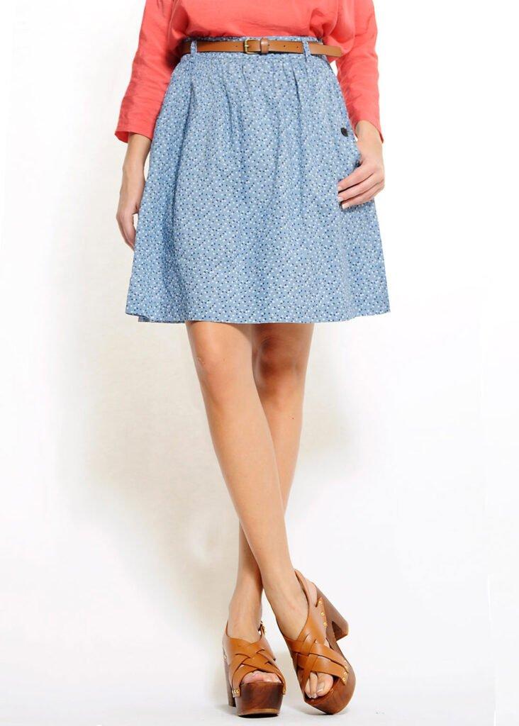 falda-azul-acampanada-cintura-alta-elastica-mango